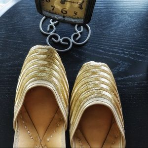 Shoes - New 2018 ! Glam Golden Jutti